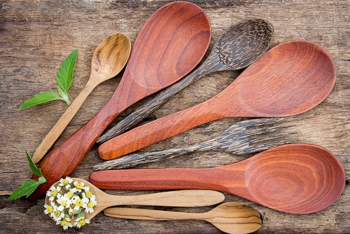 How to Clean Wooden Kitchen Utensils