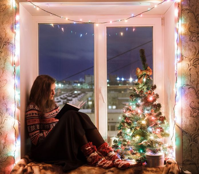 how-to-decorate-your-windows-for-christmas