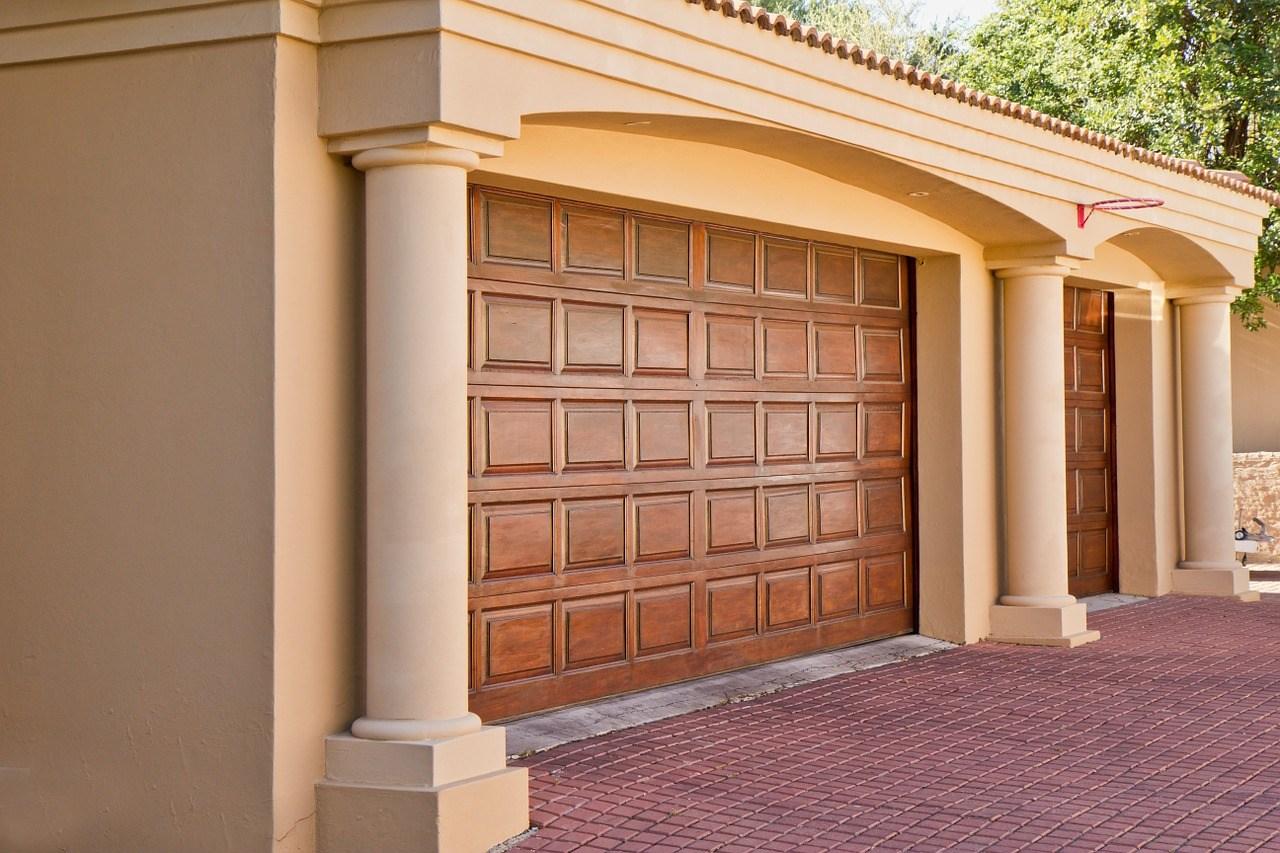 wood-garage-is-not-as-durable-as-steel