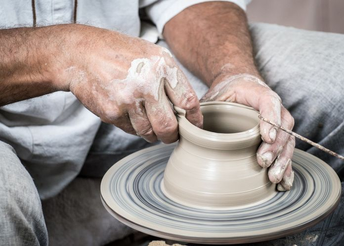 How To Take Care Of Ceramic Cookware Featured Image